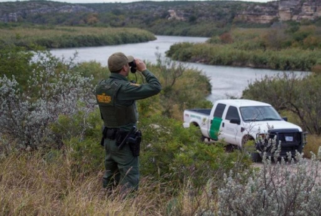 Honduran woman detained at border says she was held for ransom by human smugglers: report