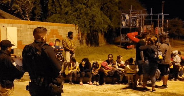 Mexican Border State Cops Stop 40 Migrants from Illegally Crossing into Texas