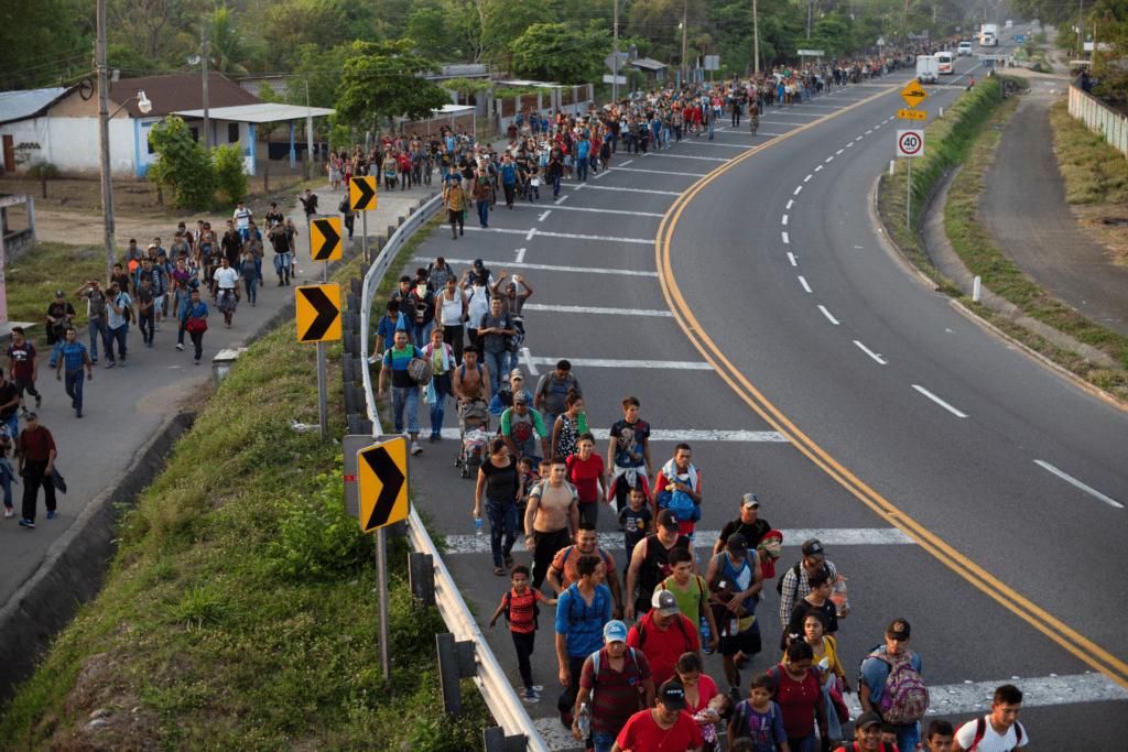 Thousands more Central American migrants approach U.S.-Mexico border